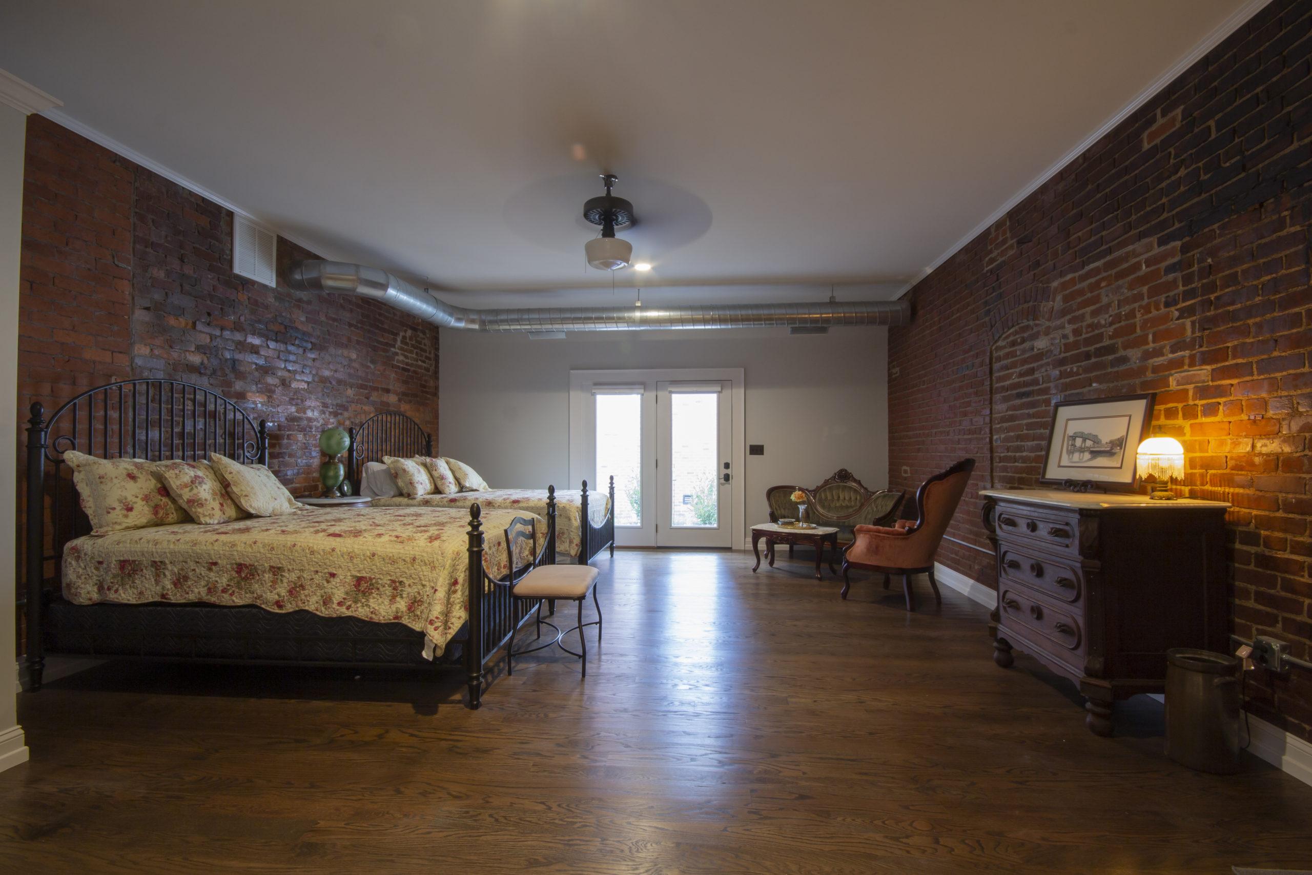 The Historic Belle Louise Bed & Breakfast Paducah, K